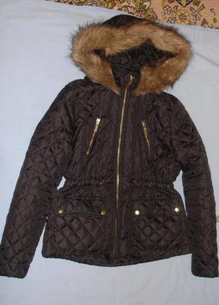 Черная куртка демисезонная на синтепон с капюшоном на рост 152...