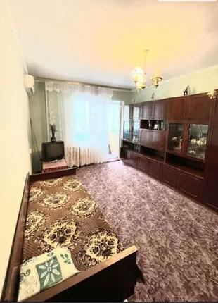 Продаётся однокомнатная квартира на Троещене