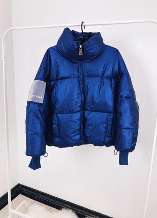 Женская зимняя короткая куртка