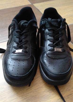Шкіряні кросівки для хлопчика