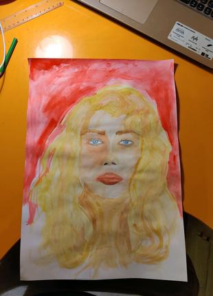 Портрет девушки со светлыми волосами