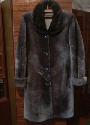 Шуба мутоновая с норковым воротником пр-во россия, 54 размер