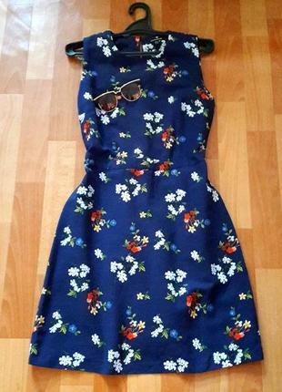 Синее  коттоновое платье с цветами warehouse