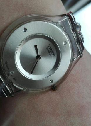 Продам швейцарские часы swatch с камнями Сваровски
