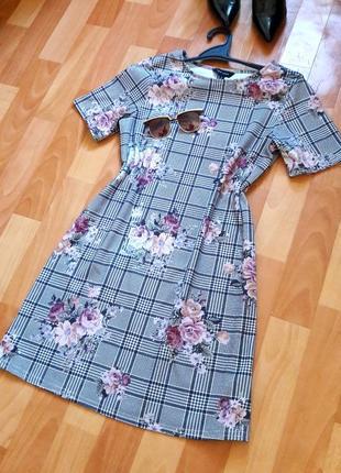 Классное платье в клетку из гусиной лапки с цветами new look