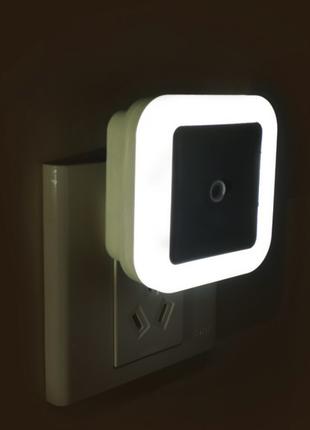 Светильник подсветка ночник фонарь 220V с датчиком света