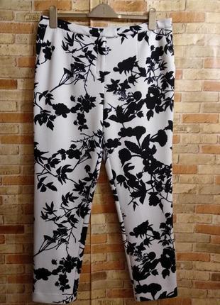Стрейчевые штаны неопрен дудочки в принт 16/50-52 размера