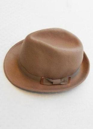 Бежевая шерстяная классическая фетровая шляпа федора