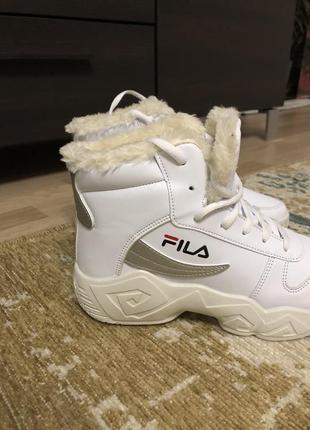 Зимние белые кроссовки ботинки на меху в стиле fila