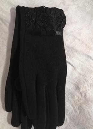 Перчатки женские черные трикотажные