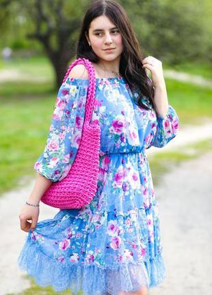 Вязаная яркая сумочка для летнего романтического образа