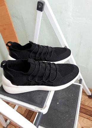 Черные кроссовки польской  фирмы kylie crazy