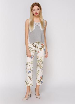 Укороченные брюки с цветочным принтом zara