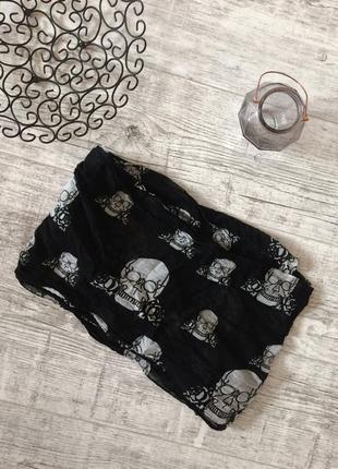 Шарф платок палантин с черепами и розами