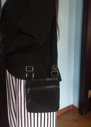 Маленькая сумка планшетка tommy  hilfiger