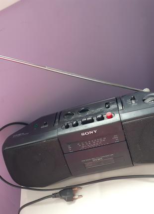 Радиомагнитола Sony CFS-B21L + аудиокассеты