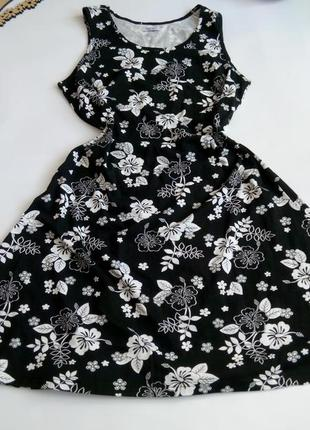 Платье нарядное 50 48 размер миди новое коктейльное бюстье