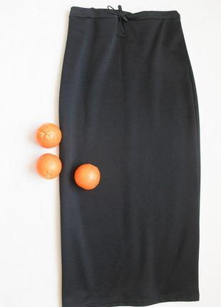 Стильная черная юбка миди с разрезом, размер m-l
