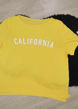 Желтая футболка с надписью california