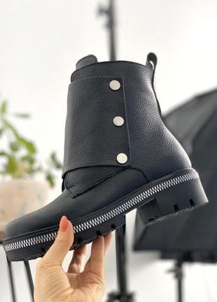 Кожаные женские ботинки зима