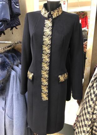Женское пальто space