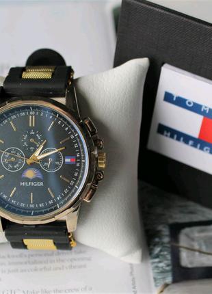 Мужские часы с силиконовым ремешком Tommy Hilfiger black&gold