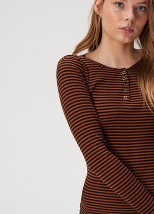 Новая полосатая кофта блузка застежки кнопки польша черные пол...