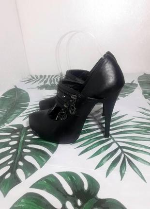 Sale black friday 🖤 актуальные туфли с ремешком, ботильоны
