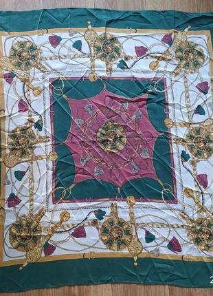 Красивый шелковый платок