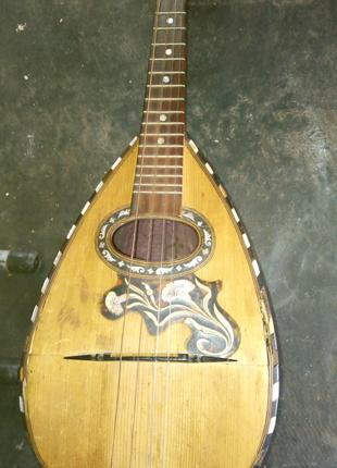 Старинная мандолина под реставрацию
