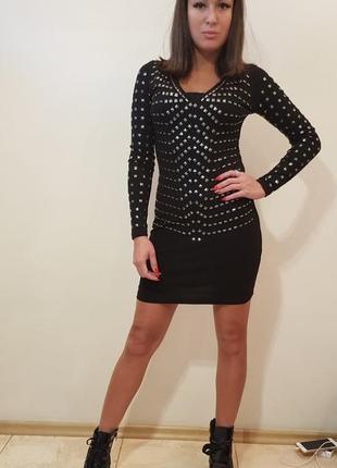Платье мини черного цвета с блестящей отделкой италия
