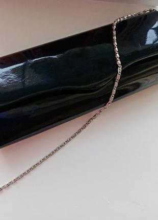 Элегантный клатч ласковая сумочка конверт на серебристой цепочке