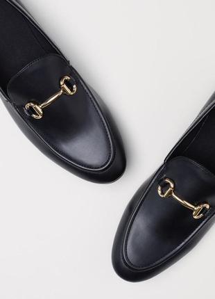 Чёрные лоферы с пряжкой мужские туфли броги топсайдеры