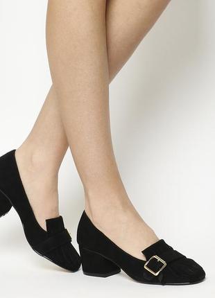"""Стильные """"замшевые"""" лоферы туфли на широком каблуке с бахромой"""