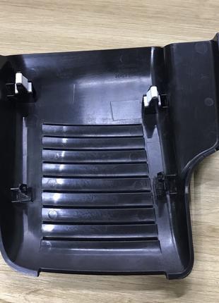 Накладка пластик крышка датчиков лобового стекла Nissan Leaf 2018