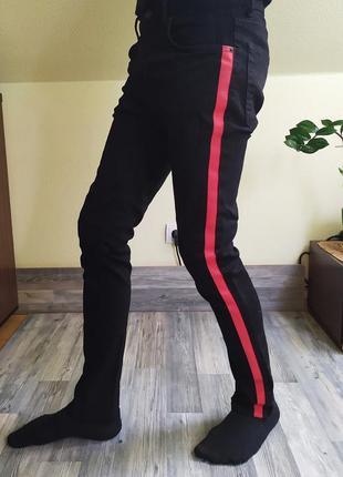 Крутые джинсы скинни с красными лампасами zara man