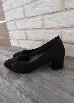 Стильные туфли лодочки на широком каблуке