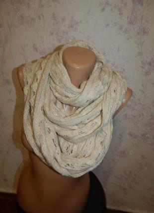 Женственный шарф от new look.