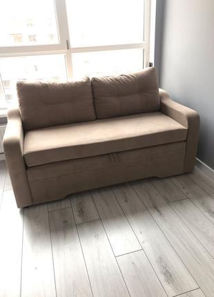 меблі(диван,ліжко)