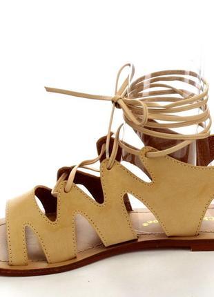 Сандали на шнуровке