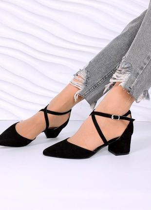 Туфельки на каблучках