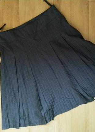 Юбка в складку с плотной ткани