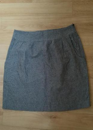 Классическая юбка серого цвета