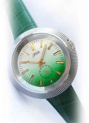 часы ЗИМ-ПОБЕДА «СТАДИОН»  сделано в СССР 80-х. МУЖСКИЕ механика