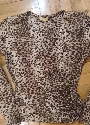 Блуза декольте леопардовий принт