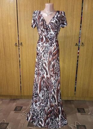 Красивое платье в пол  от pistachio