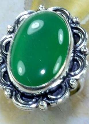 Кольцо с натуральным хризопразом в серебре 17,5 р индия