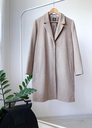 Коричневе нюдове пальто h&m