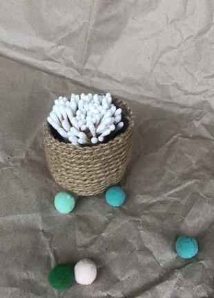 Корзинка для хранения и бамбуковые ватные палочки