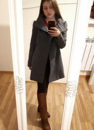 Пальто темно серого цвета